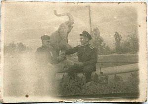 300_monument_sovietic_engli.jpg