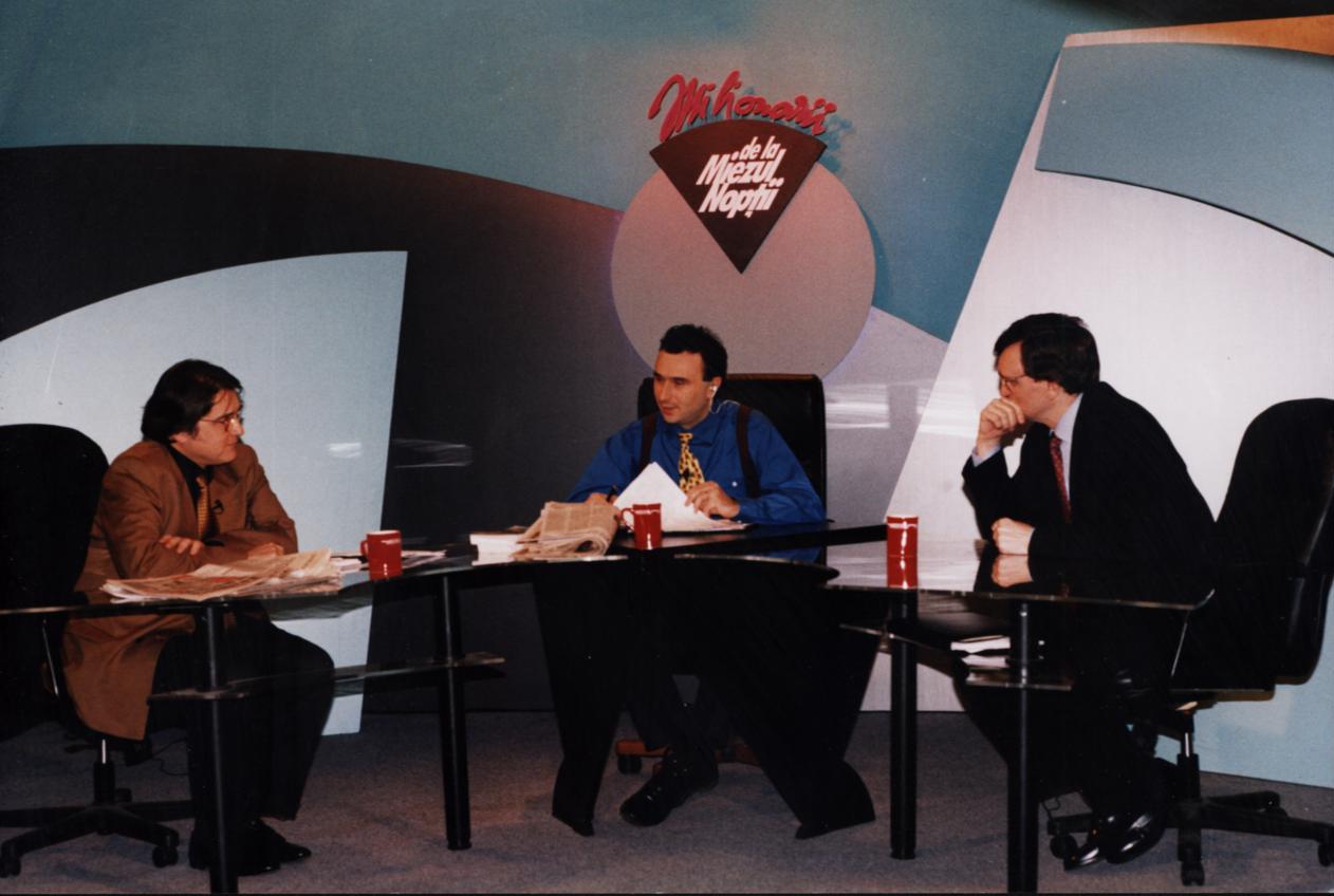 """Marius Tucă, la sfârșitul anilor '90, când show-ul lui se numea """"Milionarii de la miezul nopții"""""""