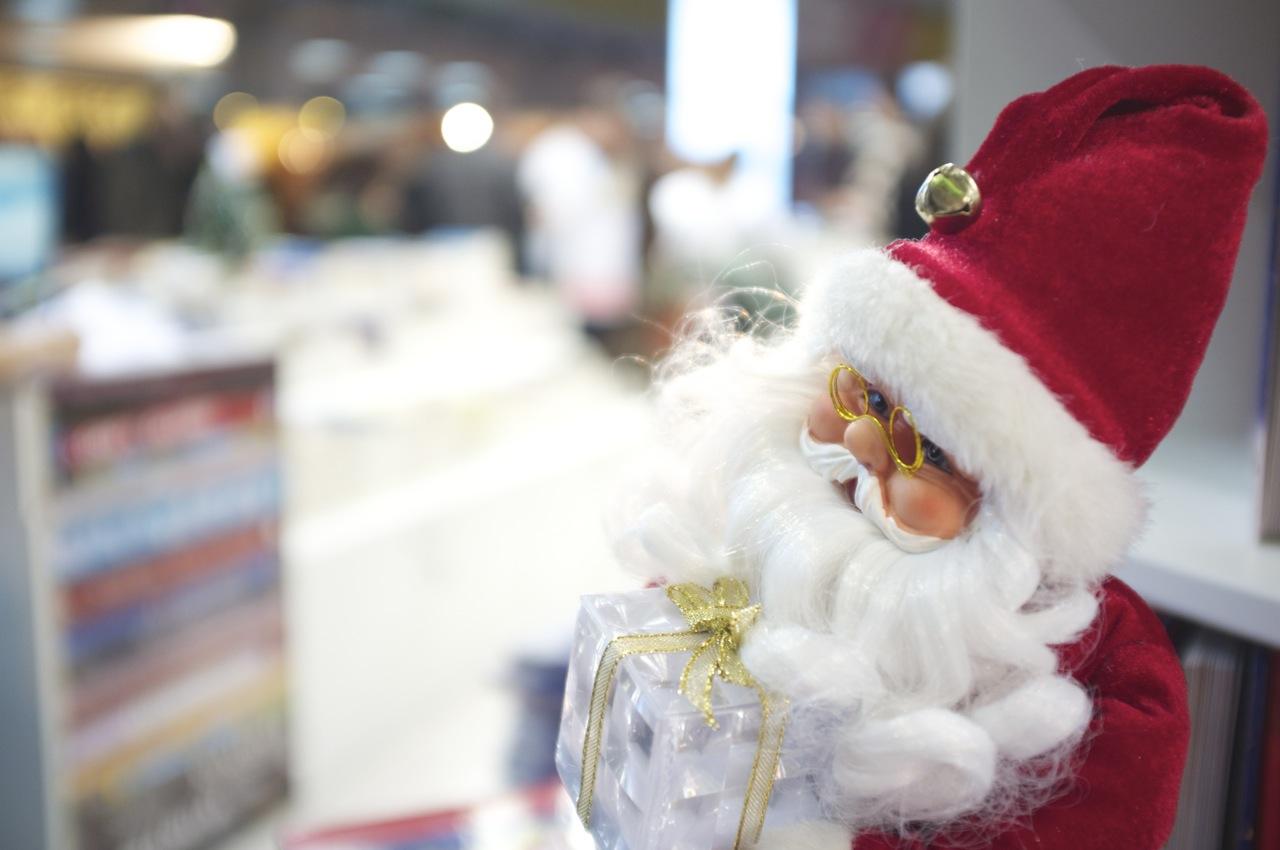 Moș Crăciun la Gaudeamus, târgul de carte