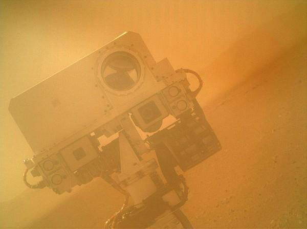 Selfie realizat de robotul Curiosity pe Marte, în 2012