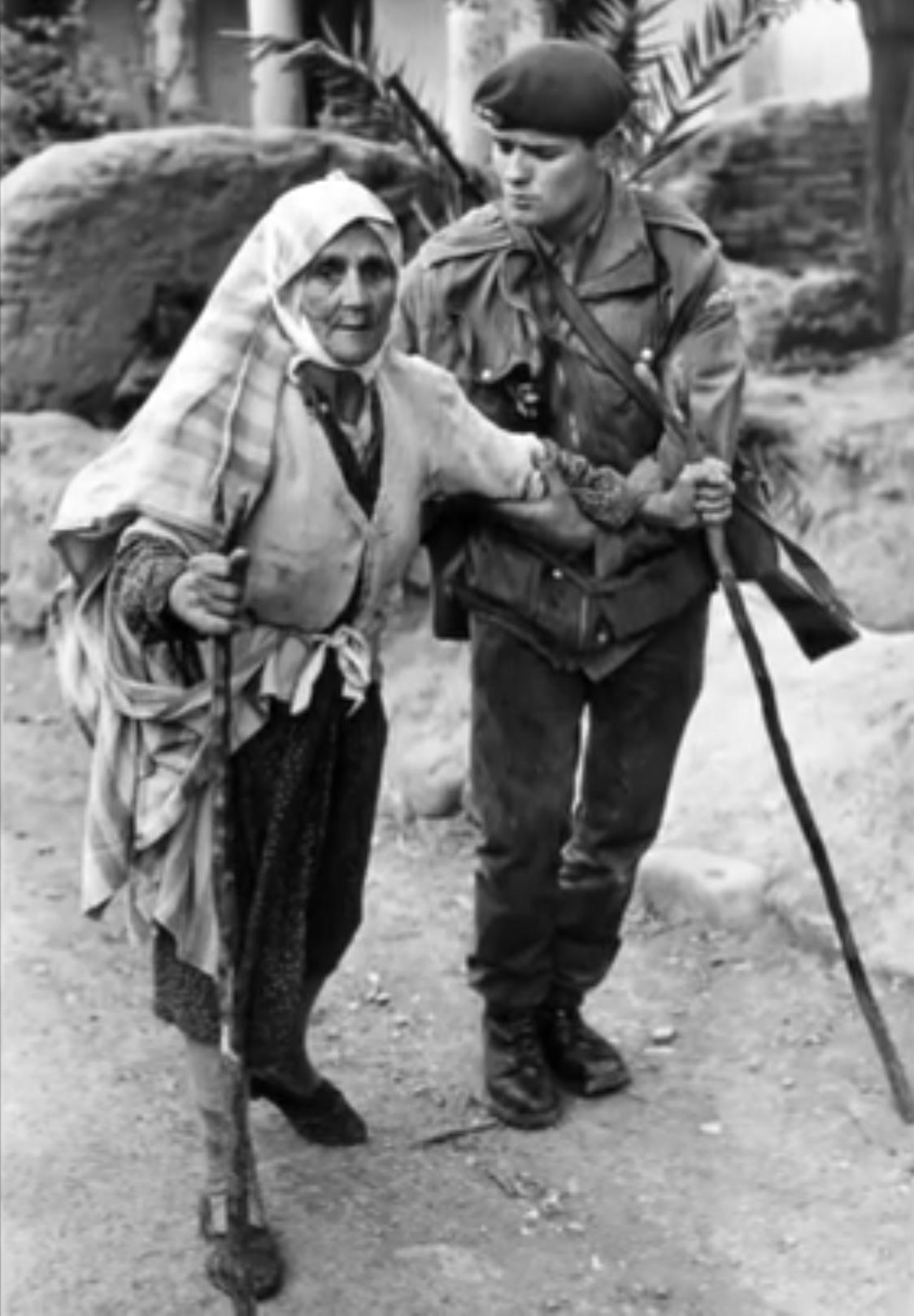 McCullin - Bătrâna din Cipru